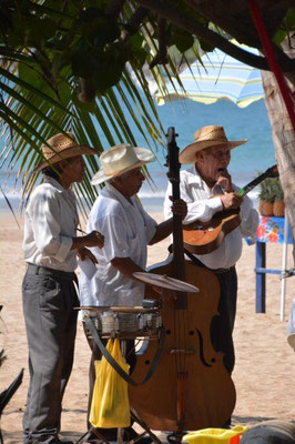 Beach musicans in Chacala