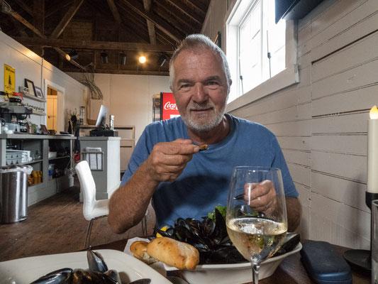 Muscheln und Fisch satt