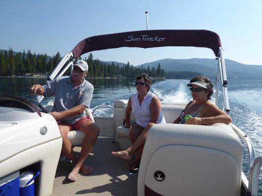 Unterwegs mit dem Party Boot
