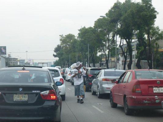 alltägliches Bild - verstopfte Straßen