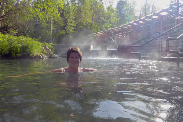 Alaska Highway, Liard Hotsprings