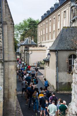 Bayeux - endlose Warteschlange vor der Tapisserie