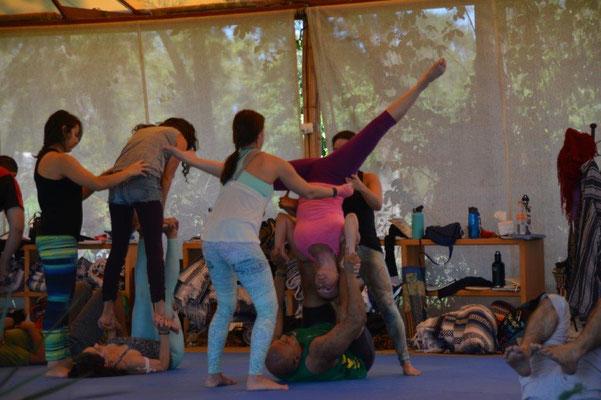 Akrobatik Workshop - ich liege ganz unten.......