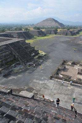 Sun -and Moon Pyramid in Teotihuacan