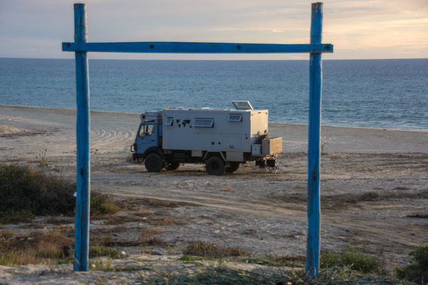 Standplatz nach dem ausbuddeln an der Playa La Tinaja