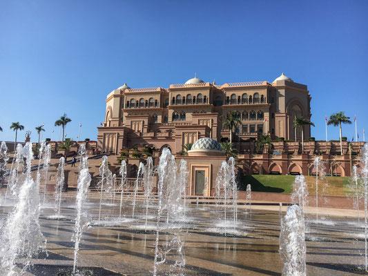 Emerates Palace, Luxusherberge für die Superreichen