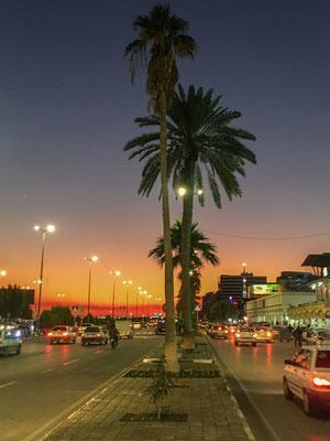 Sonnenuntergang in Bandar Abbas- kein brennender Öltanker