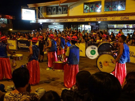 Parade in Santa Elena