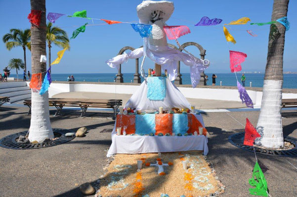 Puerto Vallarta - Decoration for the Day of the Dead