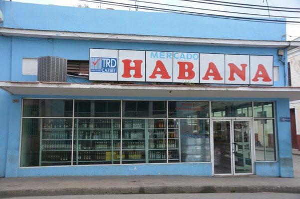 Cienfuegos - Supermarkt - nichts außer Rum und Zigaretten