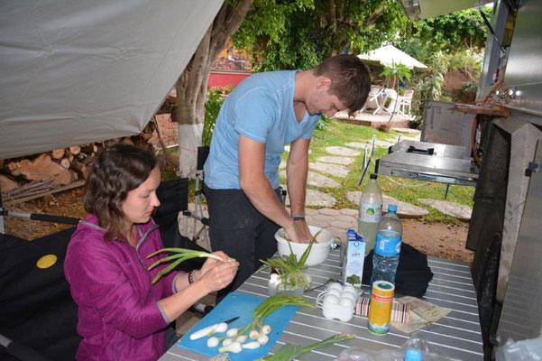 Eva & Michael prepare a Quiche Lorraine