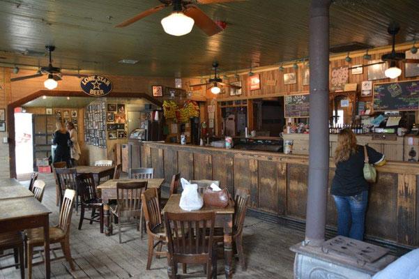 Hillcountry - Saloon