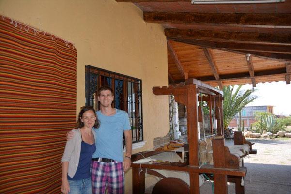 Eva & Michael mit Webstuhl