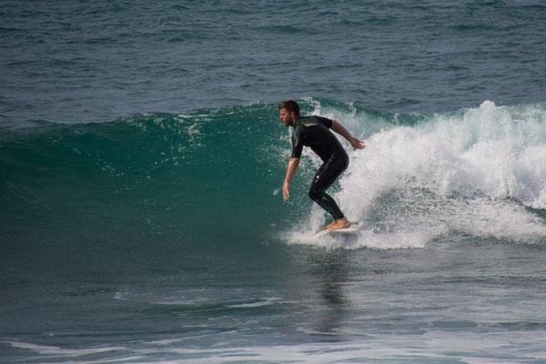 Felix beim surfen