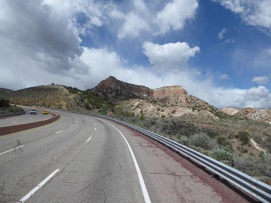 Auf dem Weg zum Bandelier National Monument