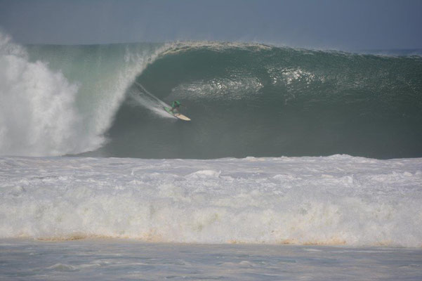 Big Wave Surf Contest
