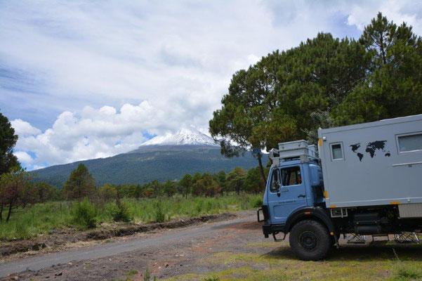 On the way to the Nationalpark Popocatepetl