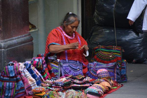 Straßenverkäuferin in Mexiko-City