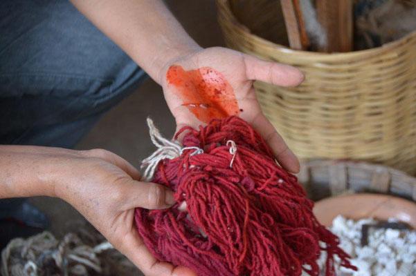 Erklärung über die Herstellung und Färbung der Wolle