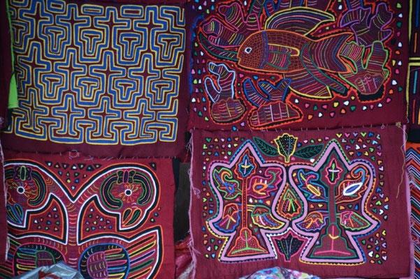 Stickereien von den Kuna Indianern