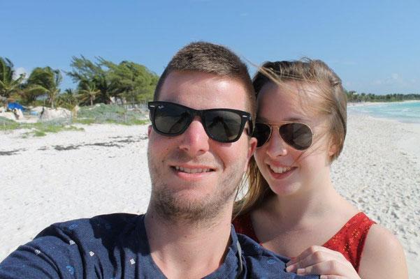 Felix & Melina am Strand von Xpu-Ha