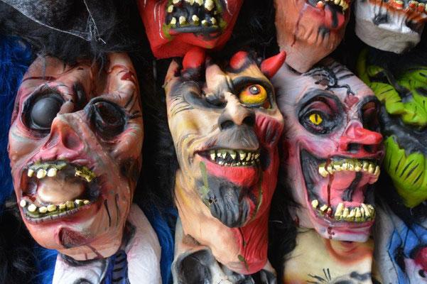 Fertig machen für Haloween (Dia del Muerte)