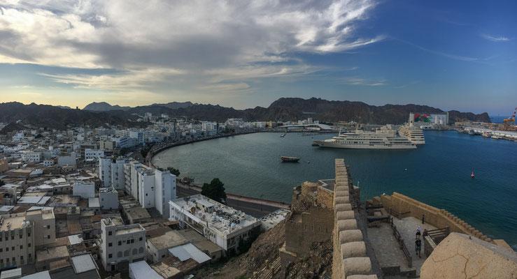 Blick auf den Hafen von Mutrah / View to the harbour of Mutrah