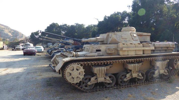 Außengelände mit Panzern aus aller Welt für diverse Filme