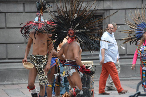 Street Performance in Mexico-City