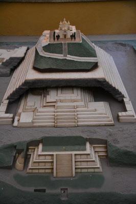 Modell der Pyramide