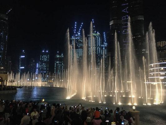 Wassershow am Burj Khalifa