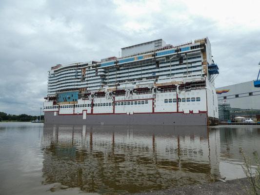 Meyer Werft - Mittelteil eines Kreuzfahrtschiffs