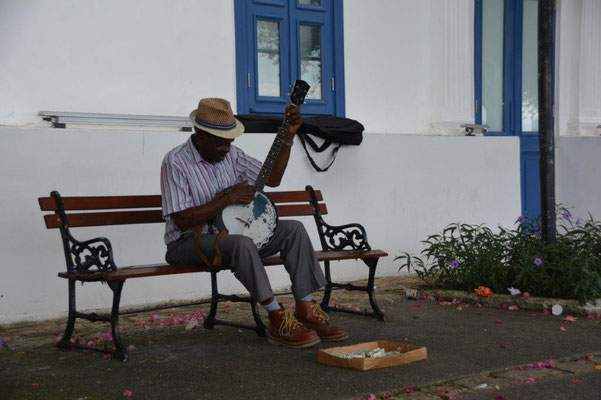 Street musican in Panama City