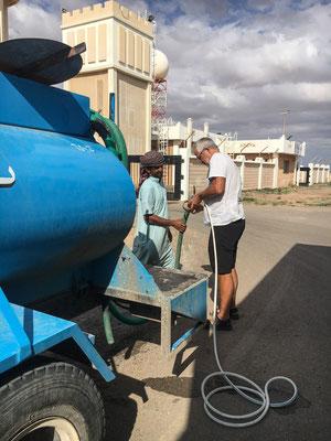 Wasser tanken / getting water