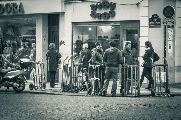 Paris, les livreurs du Sentier