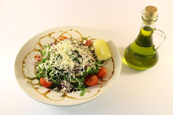 Gemischte Salat mıt Käse