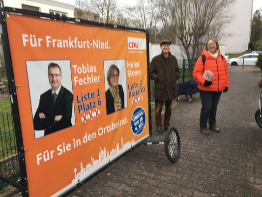 Marita Schäfer und Michael Joeckle in der Alzeyer Str.