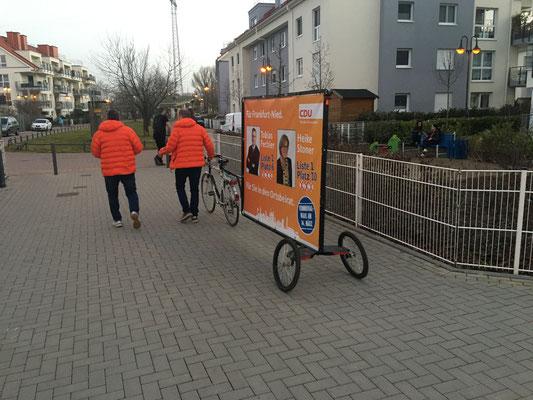 Unterwegs in der Büchersiedlung am 23.02. (v.l.: Michael Kumnick und Torsten Gleich).
