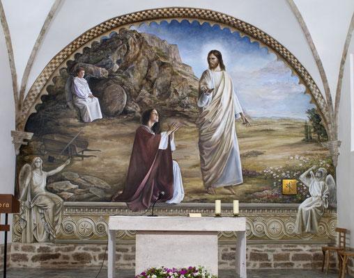 Mural en el presbiterio de la iglesia.