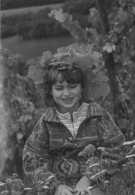 Julia Schäfer • schon früher als Weinprinzessin im Weinberg