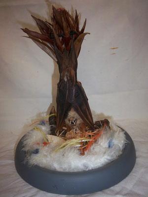 Bat nest (assemblage chauve souris naturalisé, oeufs d'autruche, fleur protéa) 300€