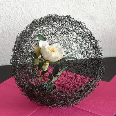 Nest mit Rose