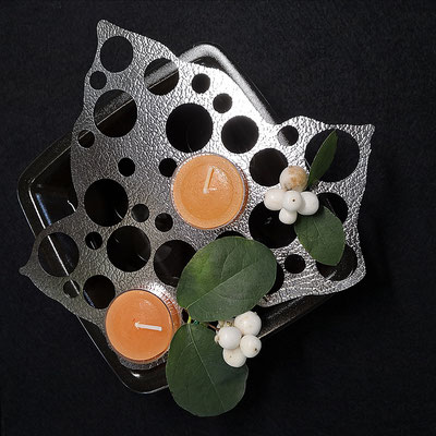 Edelstahlblatt mit Teelichter