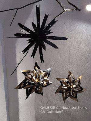 Stern (schwarz/gold) mit ca. 16 cm Durchmesser