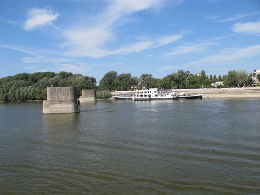 116 - Überreste einer Brücke
