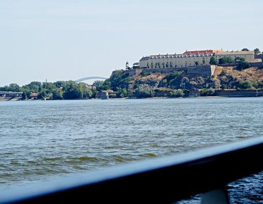153 - Wir verlassen die Stadt an der Donau