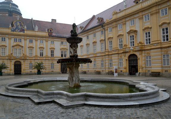 Bild 468 - Barockbrunnen