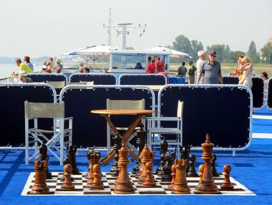 105 - Schach an Bord
