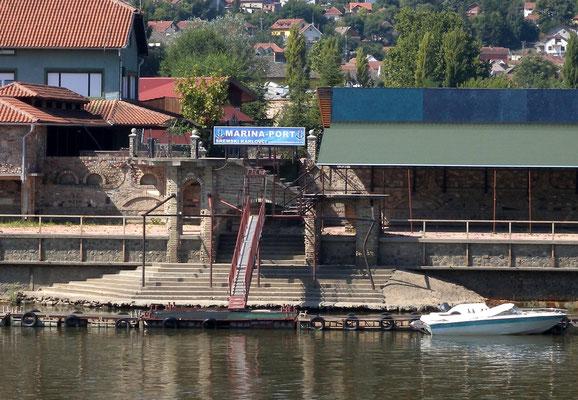 111 - Sremski Karlovci