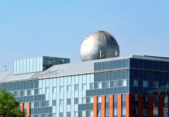 082 - Die Kugel auf dem Dach